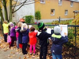 Kinder_beim_Kunstspaziergang